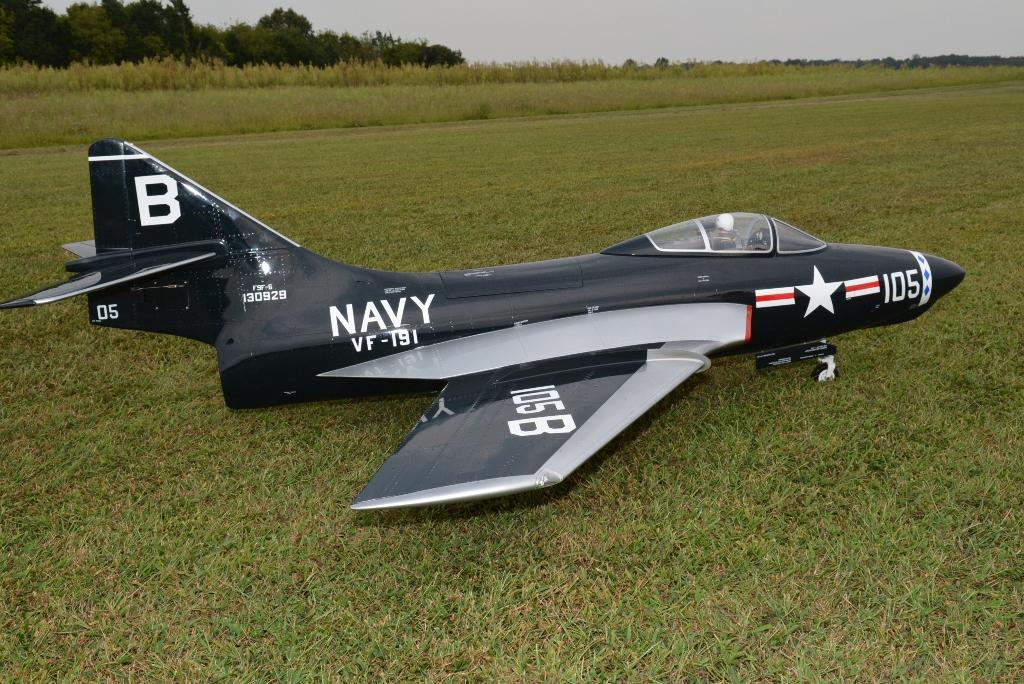 BV F-9F Cougar (1)