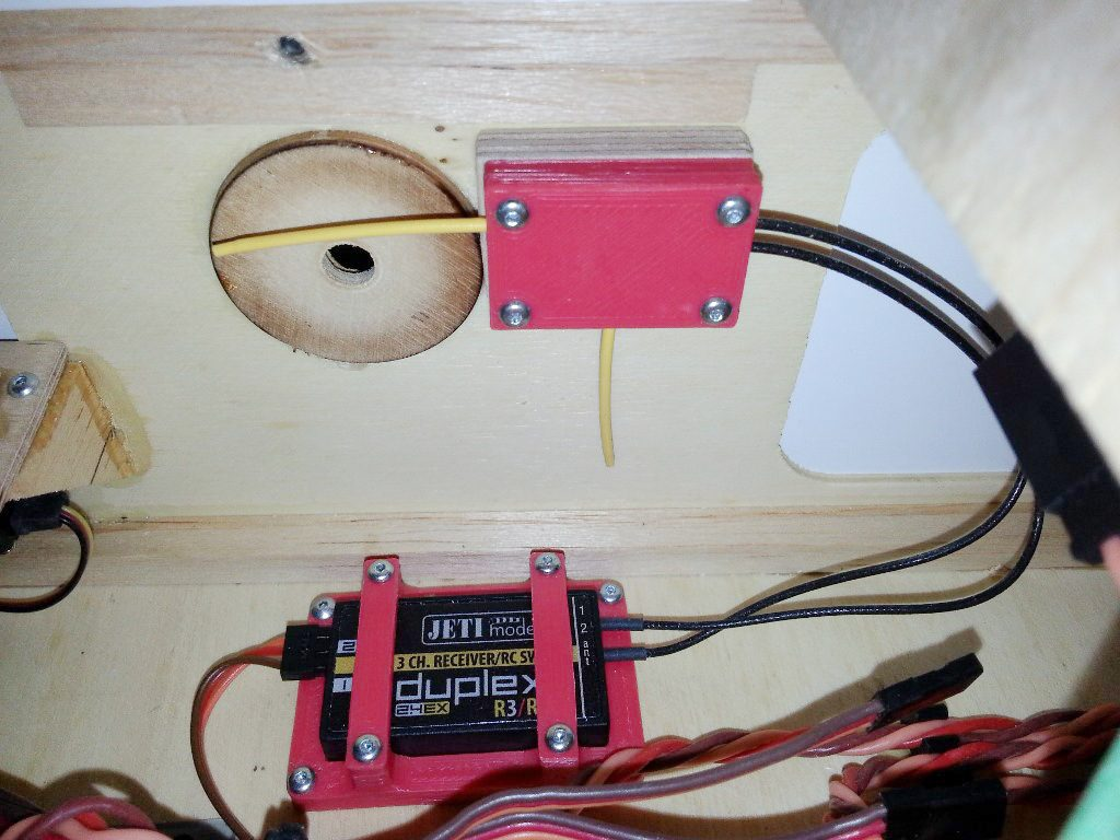 Jeti Rx and Antenna Holder
